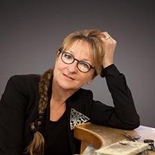 Goldschmiedemeisterin Carolin Kröhnke